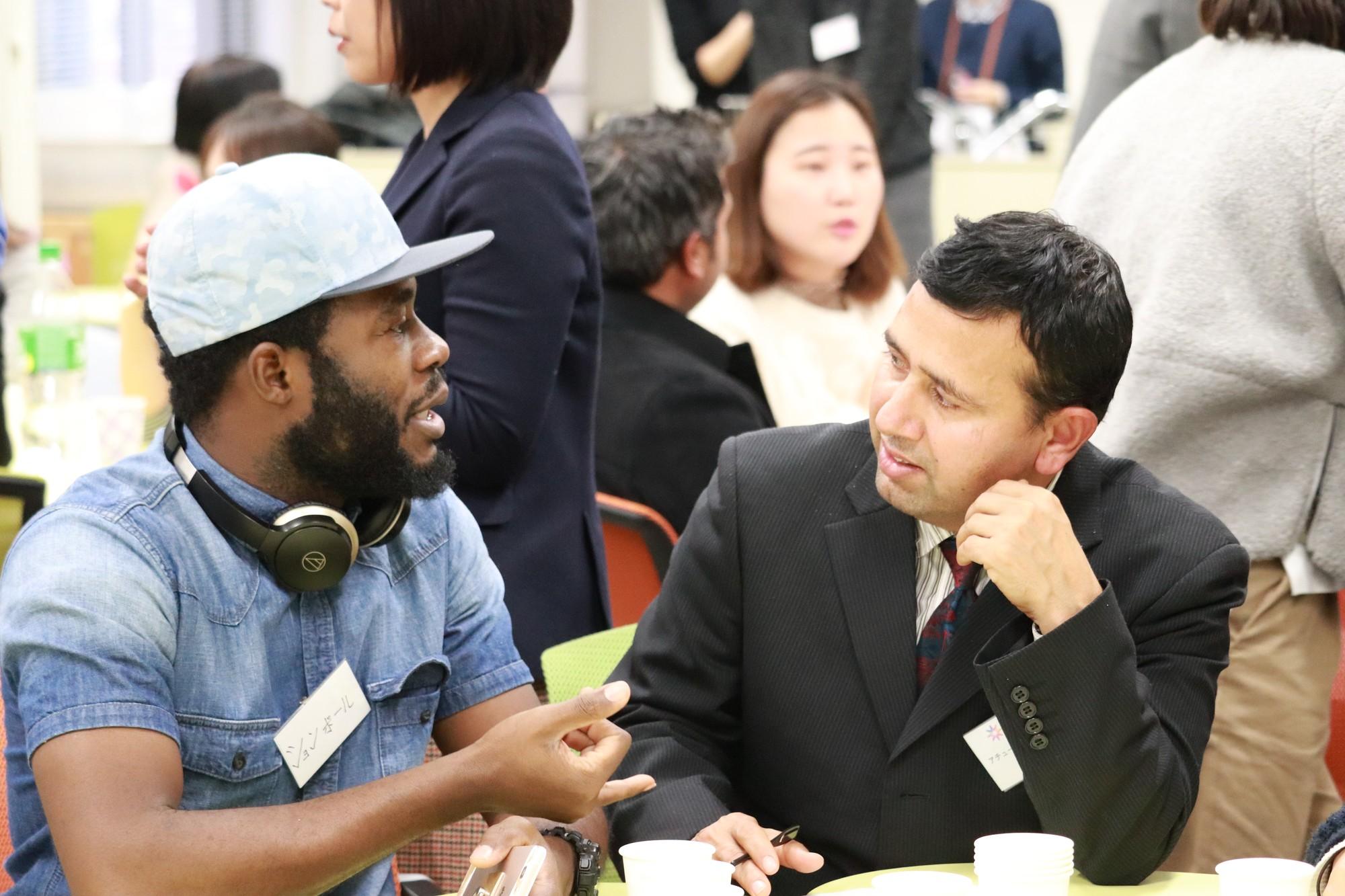 「卒業生と在学生の交流会」を開催しました